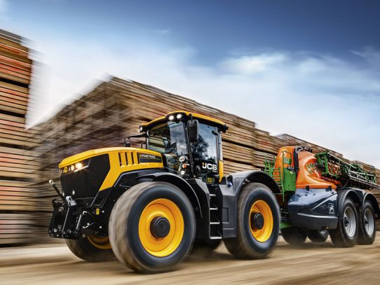 All new flagship JCB Fastrac launched in 25th anniversary year